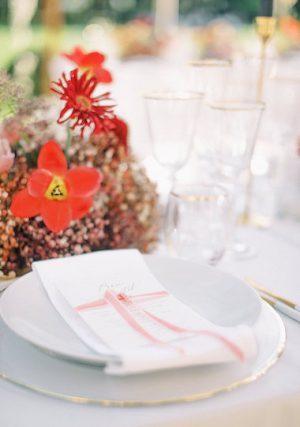 location assiettes blanches classiques_white plates_jolibazaar